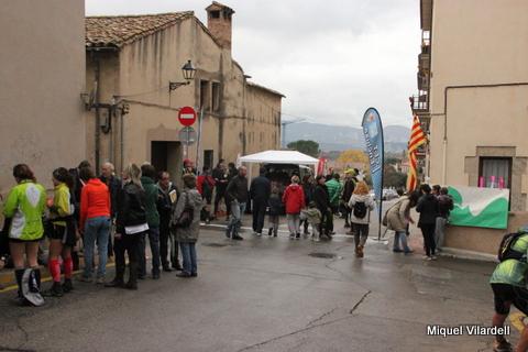 Arribada al local social (Foto: Miquel Vilardell)